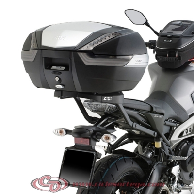 Kit Anclajes Givi 2115FZ + M5M para BAUL sistema monolock YAMAHA MT-09 2013-